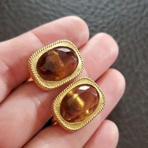 VTG Sarah Coventry clip on earrings